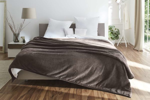 Tagesdecke mit Noppenmuster in taupe